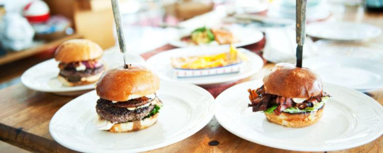 Burgerbuffet 2.12. Ma klo 18